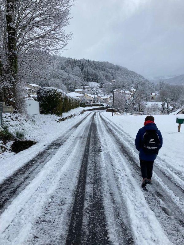 La commune de Saint-Simon dans le Cantal a aussi connu des chutes de neige.