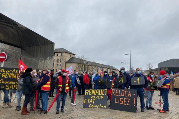 Le rassemblement pour défendre l'emploi jeudi matin à Rodez