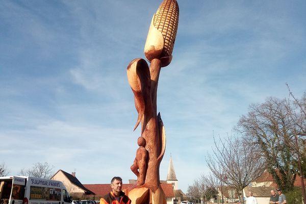 La sculpture a nécessité 4 jours de travail.