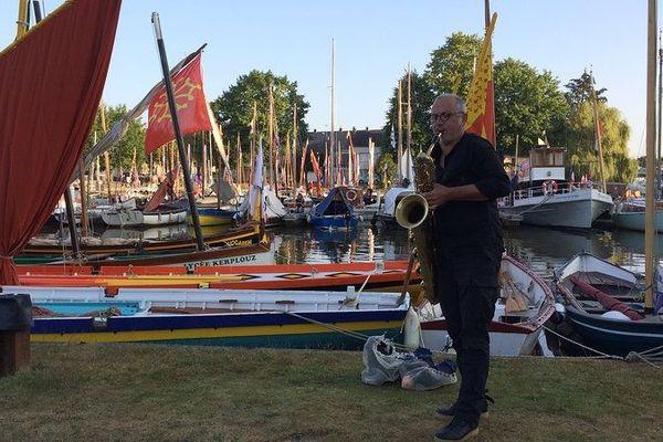 Le saxophoniste François Corneloup a réveillé les Rendez-vous de l'Erdre en douceur ce vendredi 31 août 2018