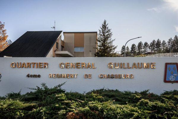 Le 4e Régiment de chasseurs (4e RCh ) de Gap ( Hautes-Alpes).