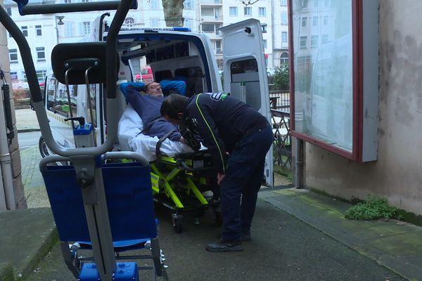 A Tulle, fauteuil et ambulance adaptés aux personnes en surpoids