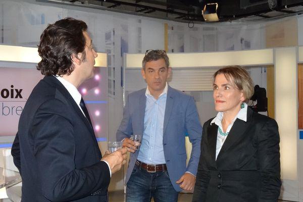 Laurent Gerra s'entretient juste avant l'émission avec Florence St Cyr Gherardi, spécialiste de la résistance et Olivier Michel