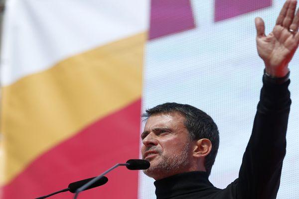 Barcelone - Manuel Valls fait un discours lors d'une manifestation anti-indépendantiste pour soutenir l'union de l'Espagne - 18 mars 2018.