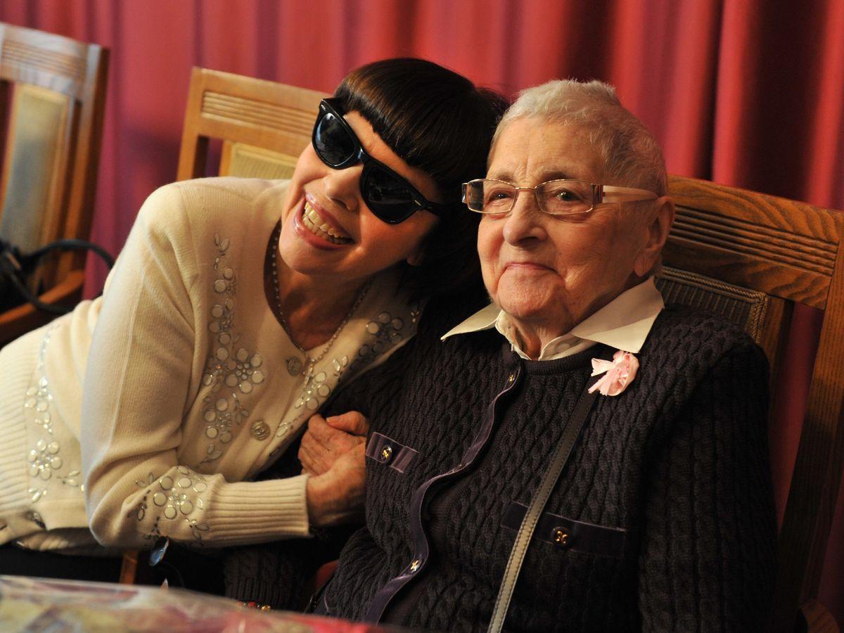 Les obsèques de la mère de Mireille Mathieu ont eu lieu à Avignon