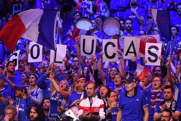 Le stade Pierre Mauroy est debout pour soutenir Lucas Pouille, à un set de la victoire !