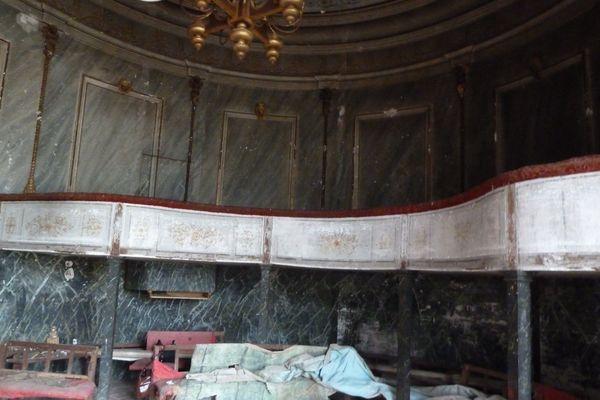 Le théâtre du château de Sully en Saône et Loire