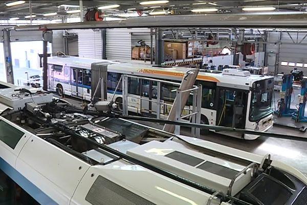 Les bus et trolleys de la TCL parcourent en distance cumulée plus de 5 millions de kilomètres par an.