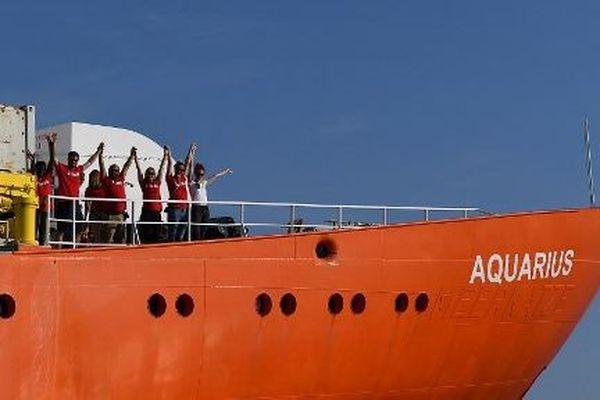 Malgré des pétitions et des manifestations de soutien, le navire ne peut toujours pas reprendre ses missions de sauvetage.