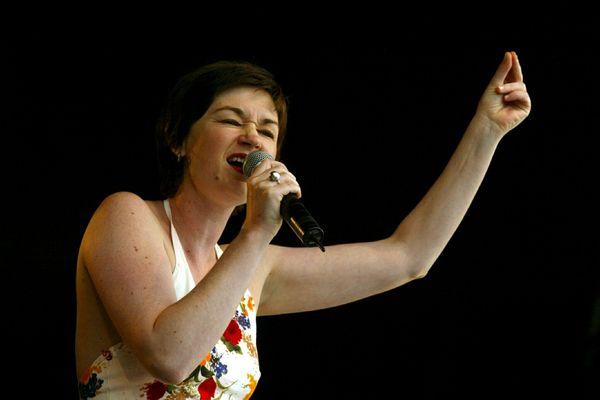 La chanteuse Belle du Berry lors du festival des Vieilles Charues, en 2002.