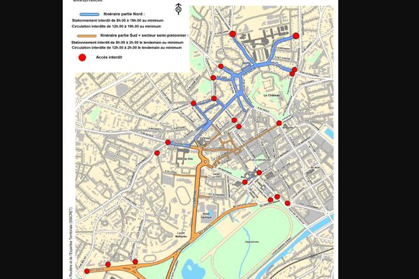 Parcours 2018 et rues bloquées par les blocs de béton ( points rouges).