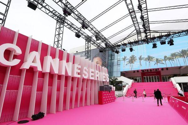 Le festival Canneseries se déroule jusqu'au 10 avril à Cannes avec 10 séries en compétition.