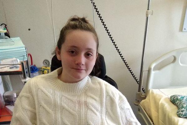 Olympe Guillossou,16 ans, est hospitalisée à Angers.