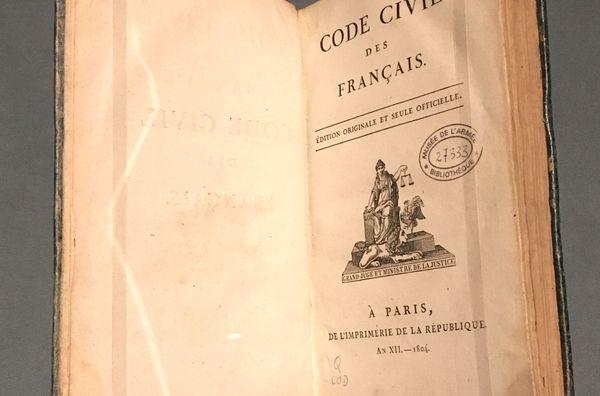 Édition originale du Code civil datant de 1804.