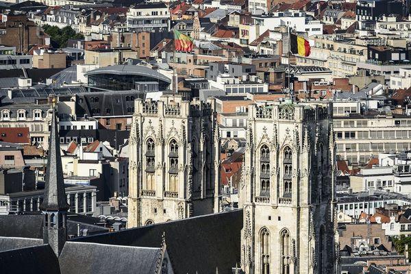 La Grand place et les cathédrale des Saints Michel et Gudule, désormais accessible de Rennes, avec une ligne TGV directe