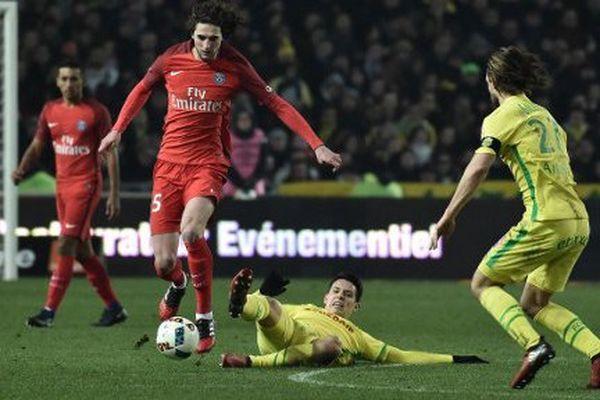 Le PSG s'est imposé 2 à 0 face à Nantes.