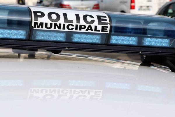 Un homme a été interpellé devant le collège Félix-Del-Marle à Aulnoye-Aymeries (Nord).
