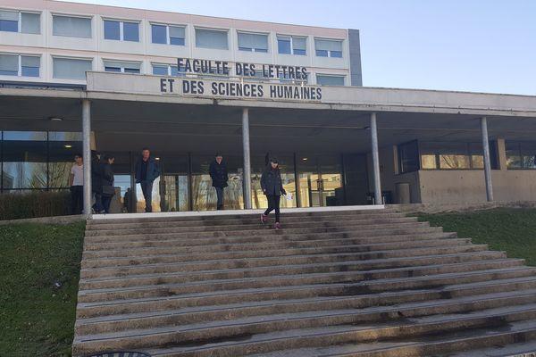 Faculté des Lettres et des Sciences humaines de Limoges.