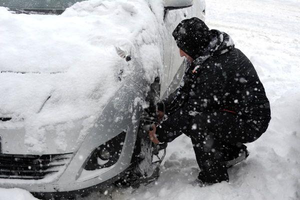 Lundi 4 octobre, le gouvernement a annoncé que le défaut d'équipements spéciaux cet hiver ne serait pas sanctionné.