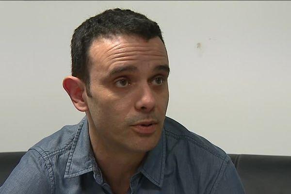 Les Ultramarines et leur porte parole Florian Brunet sont en conflit avec Frédéric Longuépée.