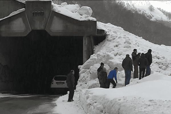 Frontiere Bearn Espagne La Route Du Pourtalet Sous Etroite Surveillance