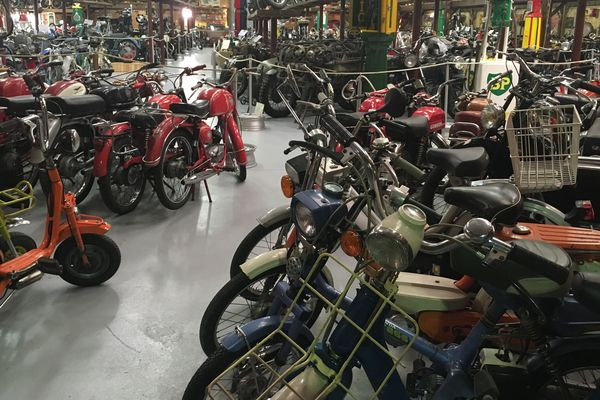 C'est le temple des passionnés de motos anciennes, le musée Baster se situe à Riom dans le Puy-de-Dôme.