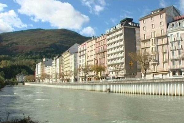 Le Gave de Pau a inondé la ville et les sanctuaires le 21 octobre dernier