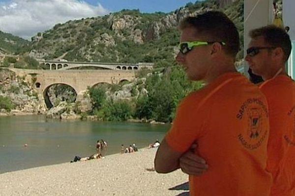 Saint-Jean-de-Fos (Hérault) - le poste de secours et de surveillance du pont du diable - juillet 2014.