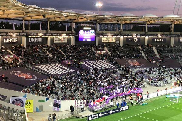 """Samedi soir pour le Derby contre Rodez, 1 000 supporters abonnés du virage bas """"Brice Taton"""" pourront prendre place dans les tribunes du Stadium."""