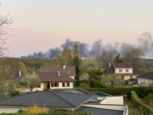 L'incendie visible depuis Pirey