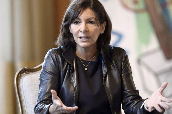 Anne Hidalgo, à la sortie d'un Conseil de Paris, en novembre 2014.