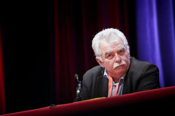Le député communiste du Puy-de-Dôme André Chassaigne estime que la candidature de François Fillon à la présidentielle « prépare à des lendemains douloureux ».