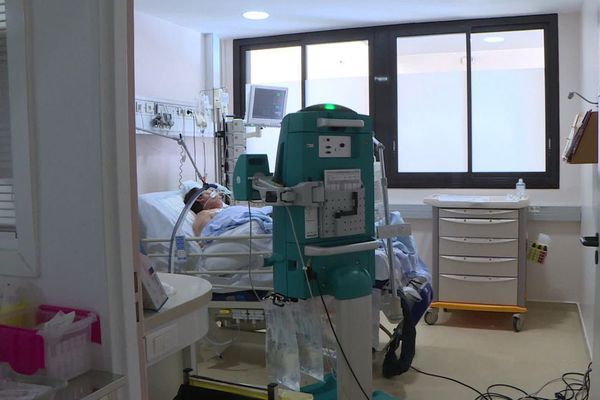 La clinique Bouchard à Marseille réorganise ses services pour accueillir des malades Covid.