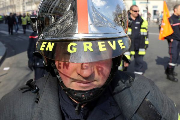 Photo prise lors d'une mobilisation de sapeurs-pompiers à Paris en mars 2017.