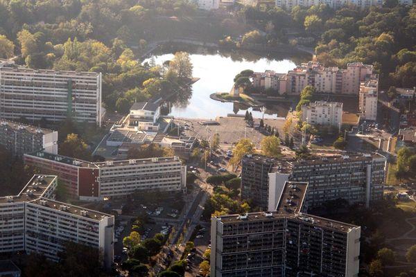 Vue aérienne des quartiers du Mirail et de la Reynerie à Toulouse