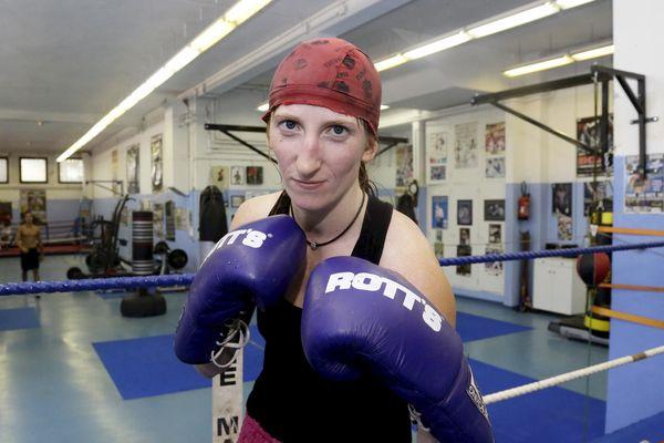 La championne du monde de boxe anglaise Karine Rinaldo sera à la salle Vallier de Marseille samedi soir pour le gala.