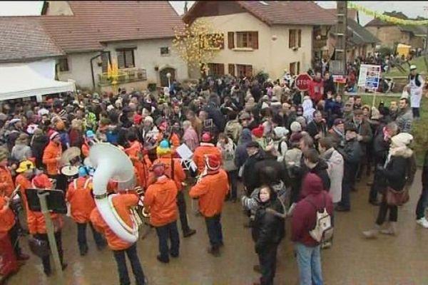 Montigny-les-Arsures accueille pour la deuxième fois la percée du vin jaune. La première édition avait eu lieu en 2002