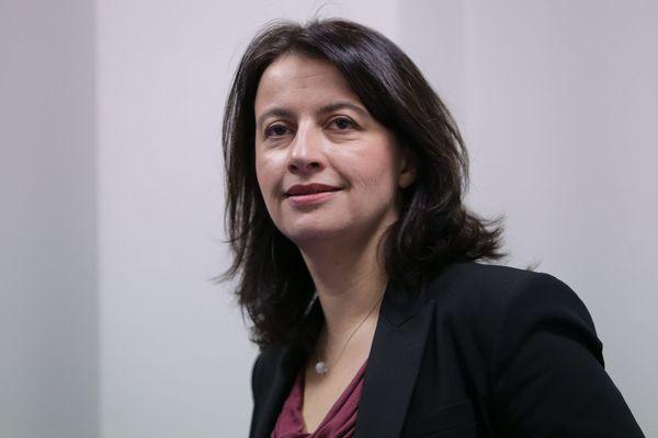 Des élus écologistes reprochent à Cécile Duflot de ne pas avoir rencontré les familles roms de la Bourse du Travail à Lille.