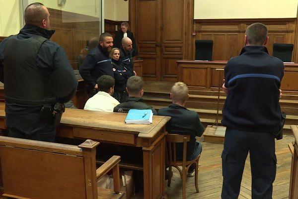 Les prévenus ont été condamnés à des peines allant de 6 à 16 mois de prison
