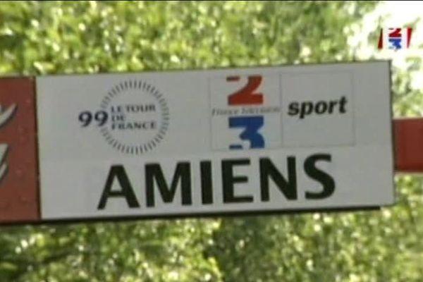 Affichage du Tour de France 1999 à Amiens.
