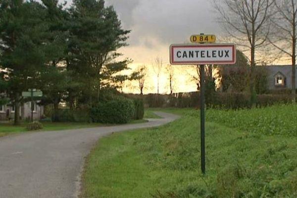 Canteleux, à la limite entre la Somme et le Pas-de-Calais, est un village de 15 habitants qui malheureusement estime son maire devrait devenir un hameau.