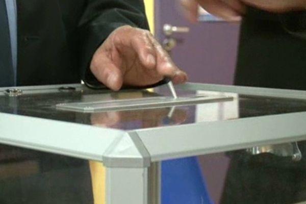 Les élections départementales et régionales auront lieu en 2015.