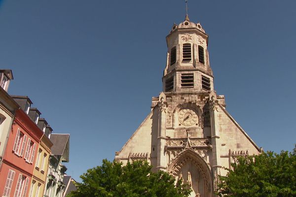 L'église St Léonard à Honfleur dévalisée en pleine journée pour un vol d'ossement