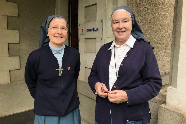 Deux des quatre soeurs qui s'apprêtent à quitter Blanche de Castille. Les Ursulines sont présentes à Nantes depuis 4 siècles
