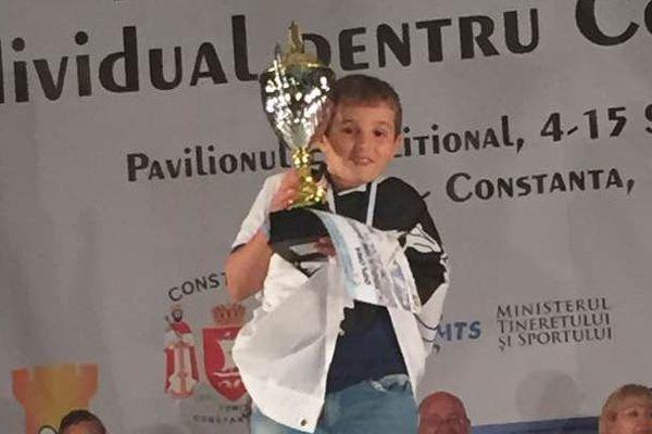 Marc'Andria Maurizzi s'est imposé dans la catégorie des U10 lors du championnat d'Europe des jeunes dans la station balnéaire de Mamaia en Roumanie.
