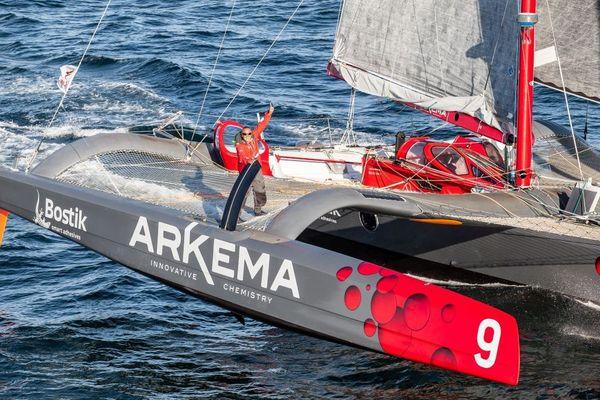 Lalou Roucayrol sur son Multi50 Arkéma