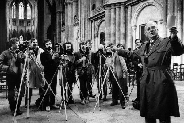 Le photographe Jean Dieuzaide et ses élèves.