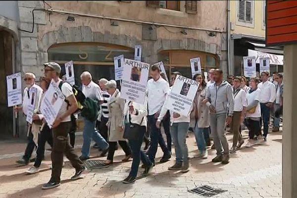 Marche Blanche à Chambéry, un mois après la disparition d'Arthur Noyer