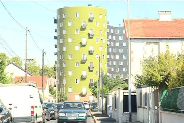 Emblématique du logement social, la cité de l'Abreuvoir accueille 1500 logements et 6000 habitants.
