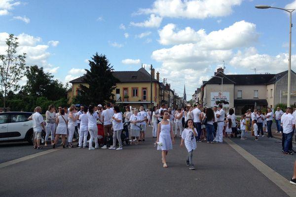 Plusieurs centaines de personnes ont souhaité rendre un dernier hommage public à Kévin, à Mourmelon-le-Grand, ce 16 juin 2018.